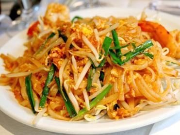 Golden-Pad-Thai-shrimp