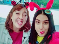Yo y mi roommate colombiana disfrutando los escasos días de descanso que nos dan en la escuela de coreano